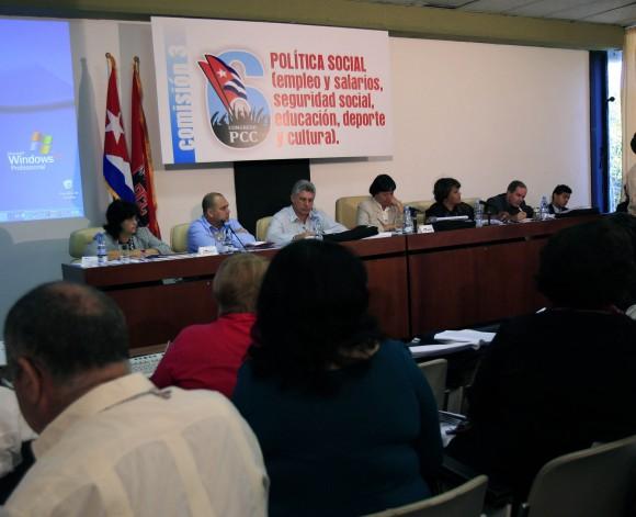 20110417203244-comisiones-congresopcc.jpg