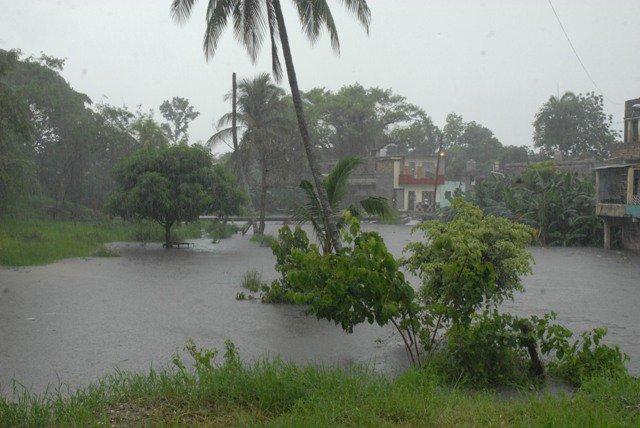 20110610131521-lluvias-santaclara.jpg