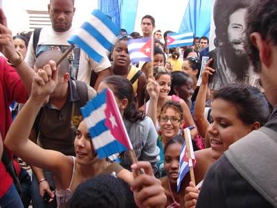 20110922140943-pueblocubano-revolucion.jpg