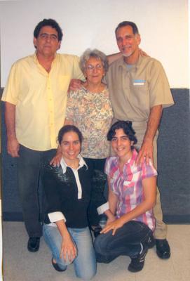 20111002170613-rene-gonzalez-familia.jpg