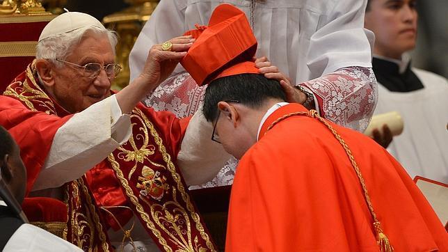 20121125021102-papa-nuevos-cardenales-644x362.jpg