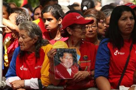 20121209191113-con-chavez.jpg