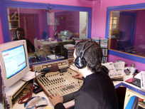 20070510034757-radio-moderna-2.jpg