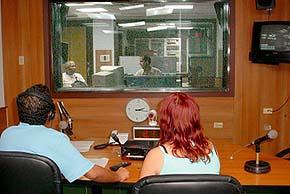 20070822225740-radio.jpg