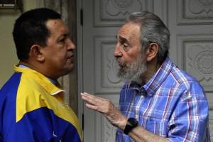 Afectuoso encuentro entre Fidel y Chávez