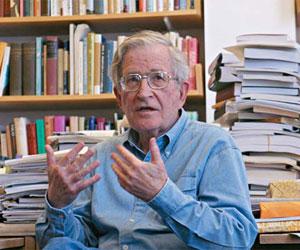 """Noam Chomsky: """"EEUU sigue en Egipto su libreto habitual"""""""