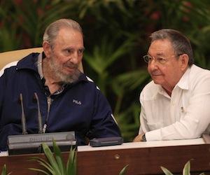 20110419172210-fidel-y-raul-en-el-congreso.jpg
