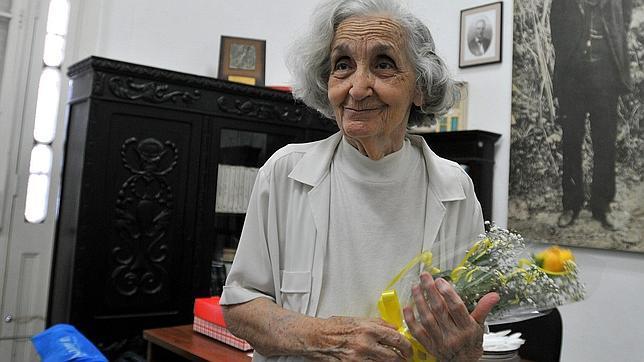 Prensa española resalta el Premio Reina Sofía de Poesía Iberoamericana ganado por nuestra Fina García Marruz