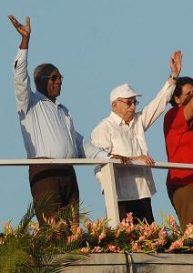Machado Ventura encabeza el desfile por el Primero de Mayo en la Plaza de la Revolución José Martí