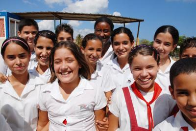 20110625140407-adolescentes-cubanos.jpg