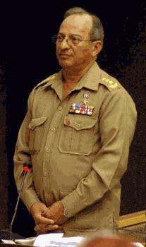 Designan en Cuba nuevo ministro de las Fuerzas Armadas Revolucionarias