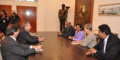 20111204123709-raul-presidentes.jpg