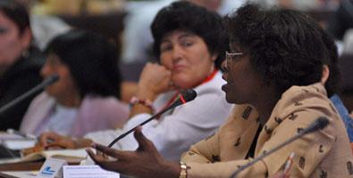 20111221142748-comisiones-parlamento-cuba.jpg