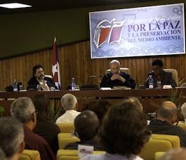 20120211104231-00-00aaencuentro-por-la-paz-fidel-castro.jpg