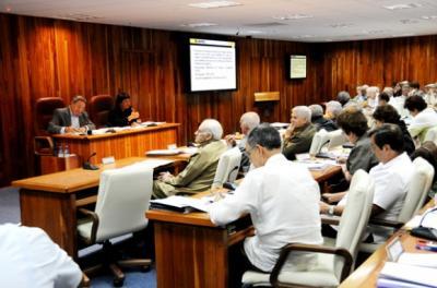 Crean en Cuba dos nuevos ministerios: el de Industrias y el de Energía y Minas