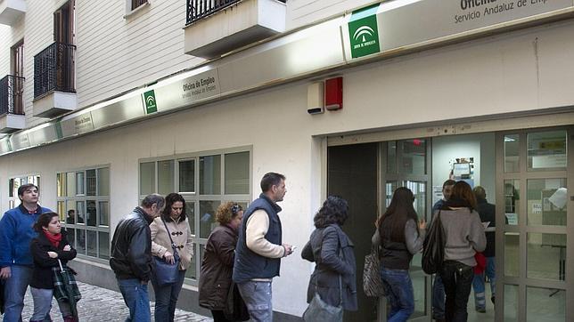 #ESPAÑA: Jóvenes, sobradamente preparados, y sin empleo