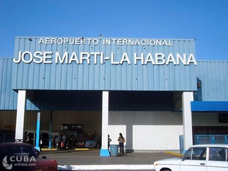 """Aviso a la población sobre ajustes de las operaciones en el Aeropuerto Internacional""""José Martí"""""""