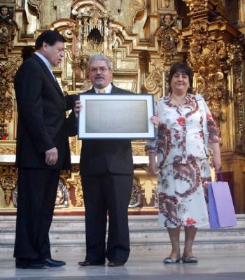 Iglesia Católica entrega a Cuba acta de matrimonio de José Martí (+ Fotos)
