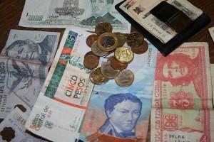 Flexibilizan en Cuba importación y exportación de monedas libremente convertibles
