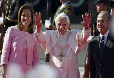 Benedicto XVI impresionado por multitudinario recibimiento en México (+ fotos)