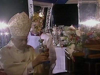 #BenedictoCuba: Una rosa de oro para la Virgen Mambisa
