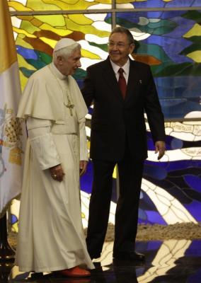#BenedictoCuba: Raúl Castro recibió a Benedicto XVI en el Palacio de la Revolución (+ Fotos)
