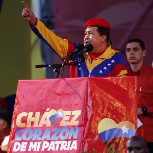 20120612153611-00-0011chavez-y-la-potencia-venezuela.jpg
