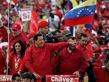 20120701033426-chavez-caravana.jpg
