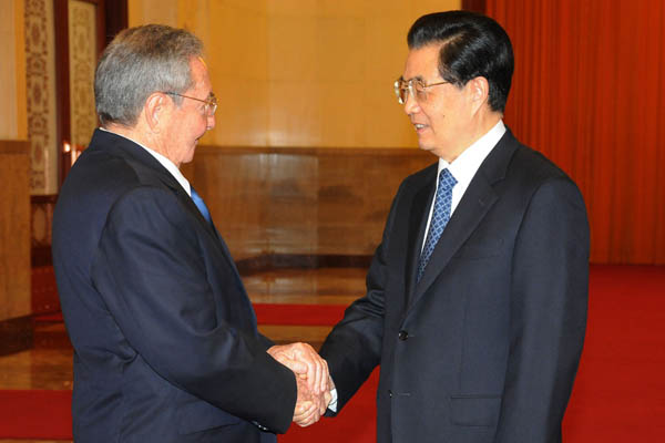 20120706134629-00-raul-y-presidente-chino3.jpg