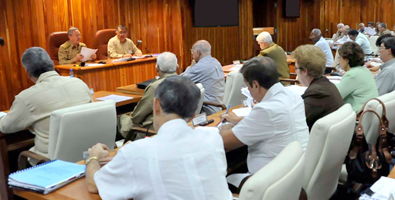 20121028102047-0-consejo-de-ministros-cuba-octubre-2012.jpg
