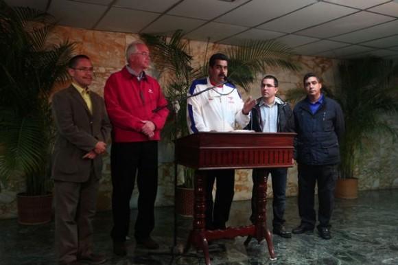 Alto gobierno se reunió con Chávez para conversar sobre la economía venezolana