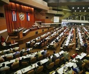 Asisten Fidel y Raúl a sesión del Parlamento #Cuba