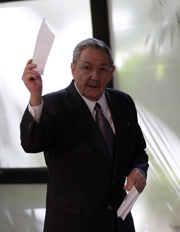 #Cuba Ratificado Raúl Castro como presidente del Consejo de Estado