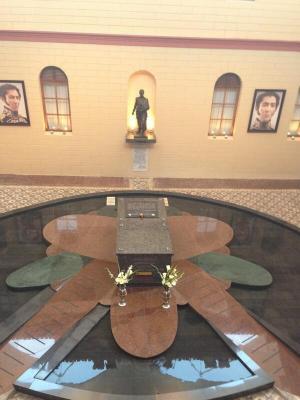 20130316130633-0-chavez-sarcofago.jpg