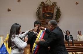 Juramentan a #Maduro como presidente constitucional de #Venezuela