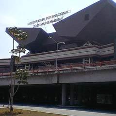 20130706222541-cuba-aeropuerto-jmarti.jpg