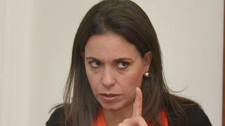 Parlamento venezolano cesa en funciones a diputada opositora María Corina Machado