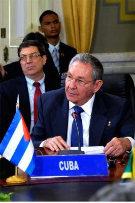 #Cuba Raúl Castro: Hemos venido aquí a cerrar filas con Venezuela y con el ALBA y a ratificar que los principios no son negociables