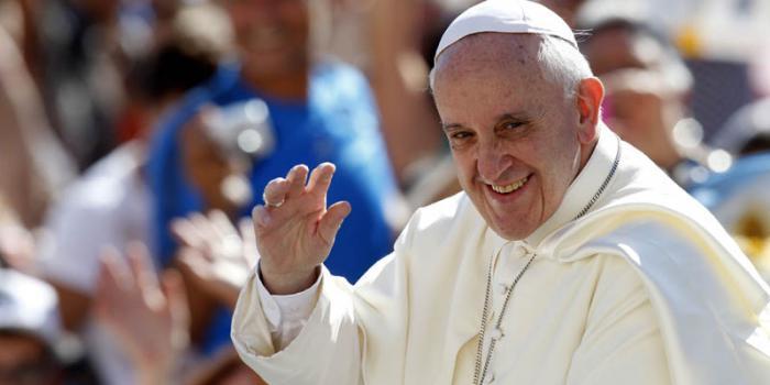 Más de mil 300 periodistas acreditados para visita del  #PapaFrancisco a #Cuba