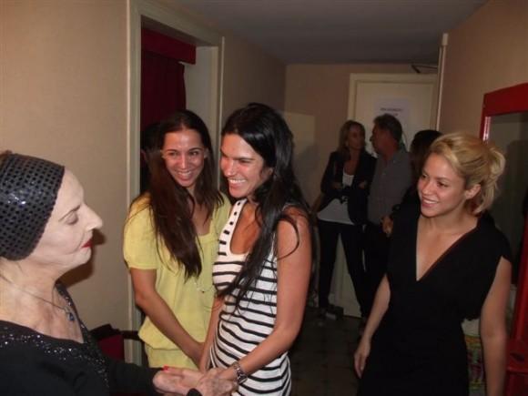 Shakira saluda a Alicia Alonso