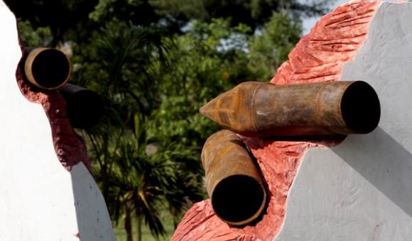 Boca de Sama, Holguin, donde se inauguro Monumento a las victimas  de Terrorismo de Estado. Obra del artista Luis Silva.