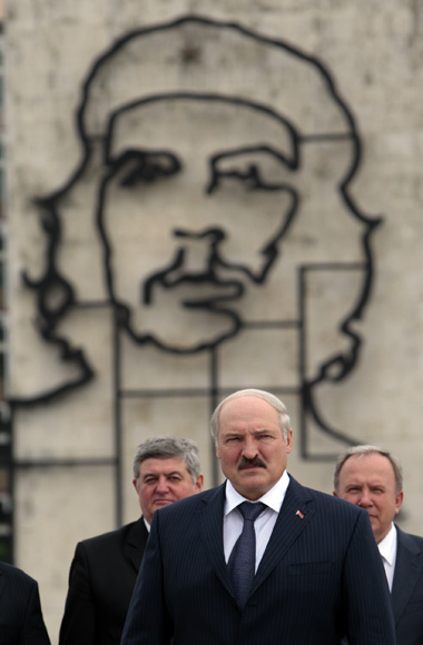 El presidente de Belarús, Alexander Lukashenko en la Plaza de la Revolución. Foto: Ismael Francisco/Cubadebate.