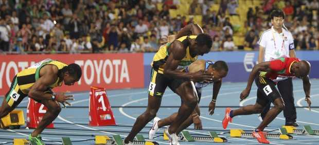 Bolt es descalificado por salida falsa y Blake gana los 100 metros