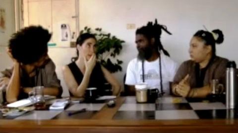 Fotograma de la videoentrevista realizada por Yoani Sánchez a  miembros del grupo Omni-Zona Franca.