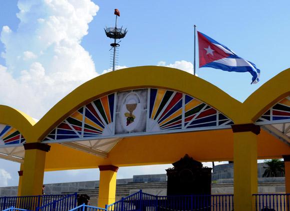 Todo listo para la misa del Sumo Pontífice en la Plaza de la Revolución José Martí, el miércoles 28 de marzo. Foto: Ismael Francisco/ Cubadebate