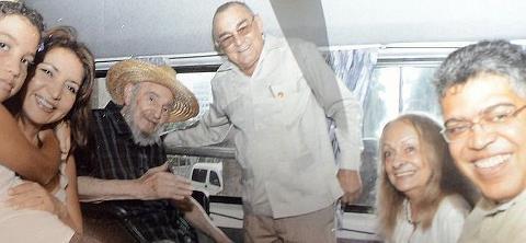Fidel Castro pasea por La Habana (+ Foto)