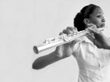 Afrodescendientes.  La flautista
