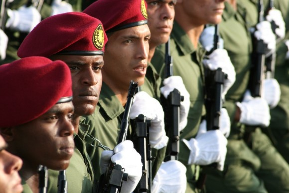 Ensayo de la Revista Militar del 16 de abril en la Plaza de la Revolución, Cuba. Foto: Jorge Legañoa