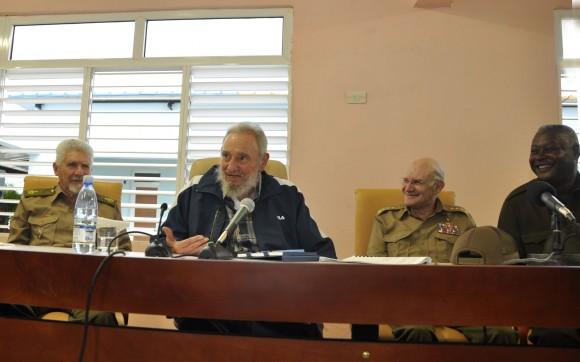 Fidel inauguró complejo docente Vilma Espín Guillois. Le acompañaron el Comandante de la Revolución Ramiro Valdés y el General de Cuerpo de Ejército Abelardo Colomé Ibarra. 9 de abril  de 2013. Foto Estudios Revolución.