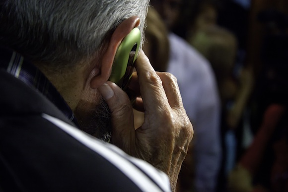 Fidel Castro habla con René González. Foto: Roberto Chile